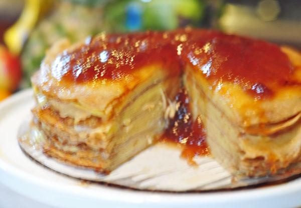 Crepe-cake-raspberry-sauce